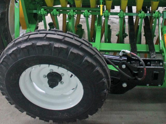 Транспортное устройство. Сеялка зерновая СЗ-5,4 «Прима». ОАО «Миллеровосельмаш».
